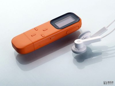 iRiver 艾利和 T8 便携式数字播放器-与原配耳机