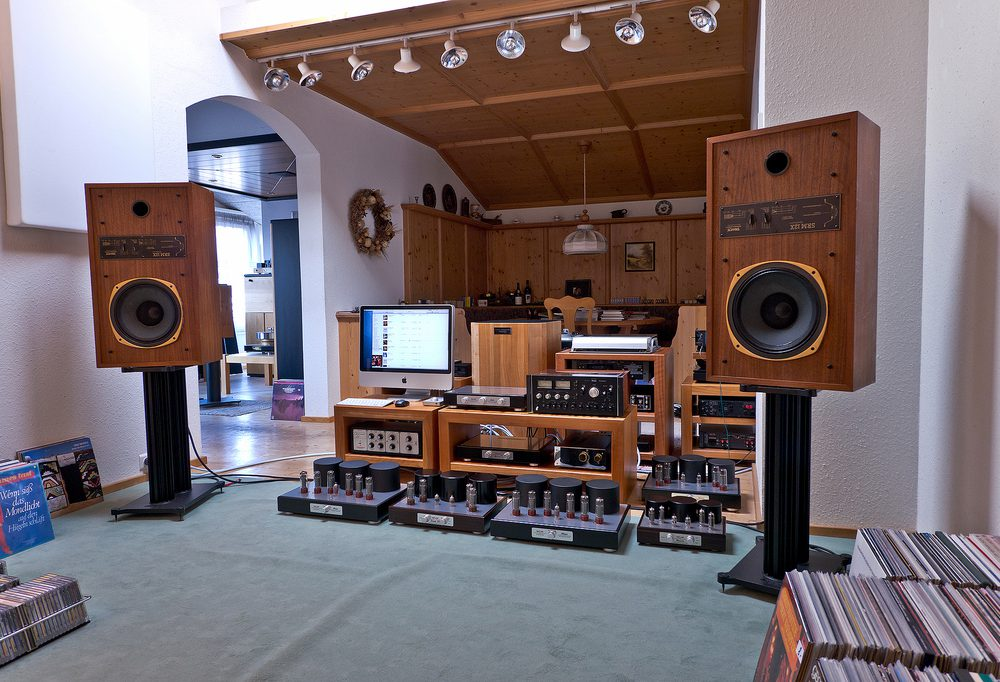 Vintage Speakers: TANNOY Super Red Monitor 12X