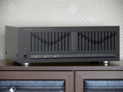 Technics SH-8022 图示均衡器