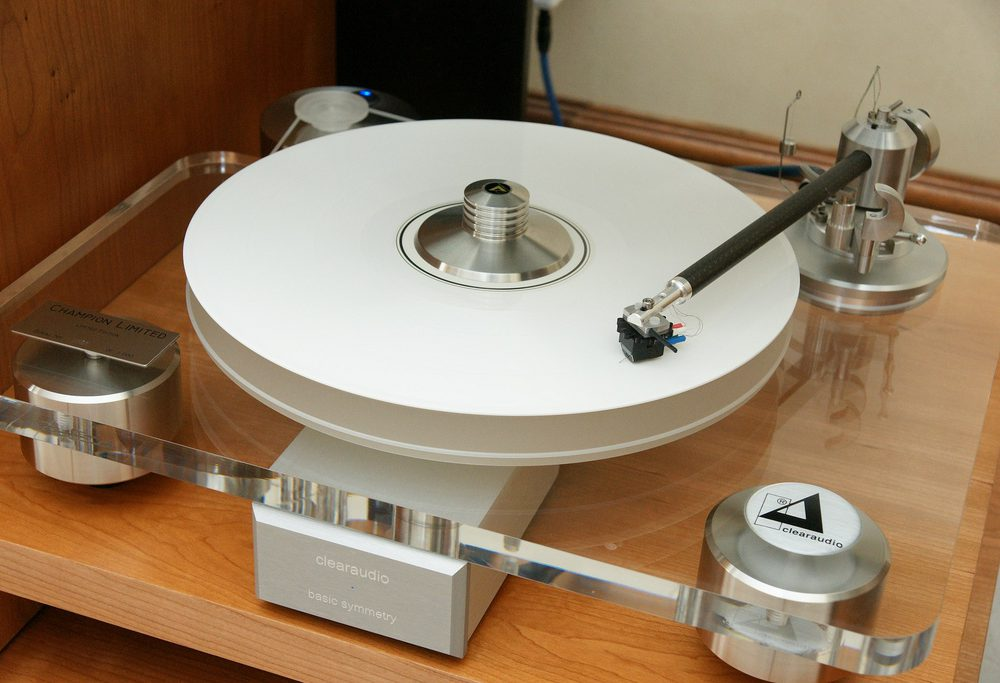 Clear Audio Champion Limited Turntable / Record Player with Clear Audio Basic Symmetry Phono Stage