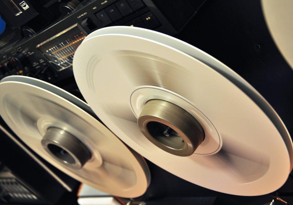 旋转的魅力:ReelToReel 开盘机图片欣赏