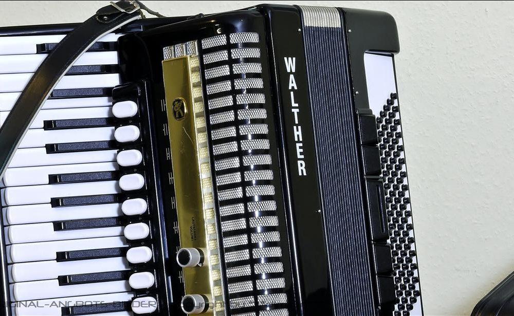 WALTHER CORSAR 96S 手风琴