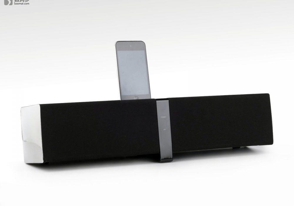 Creative 创新 ZiiSound D5x 蓝牙无线音箱-将iPod Touch 4插入插槽
