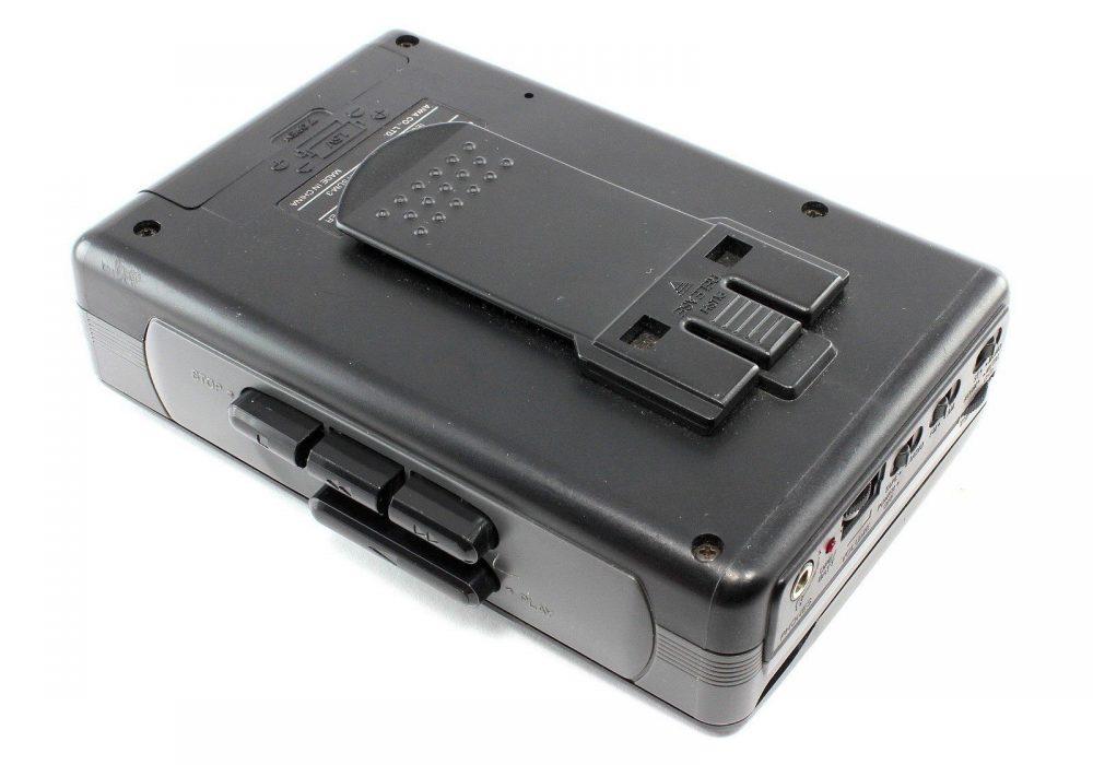 AIWA HS-TA110W 便携 Stereo Radio 磁带播放机 Auto Reverse Super BASS