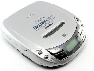 SONY D-F411 Groove Discman ESP2 CD Compact Player Shock Protection AM/FM Radio