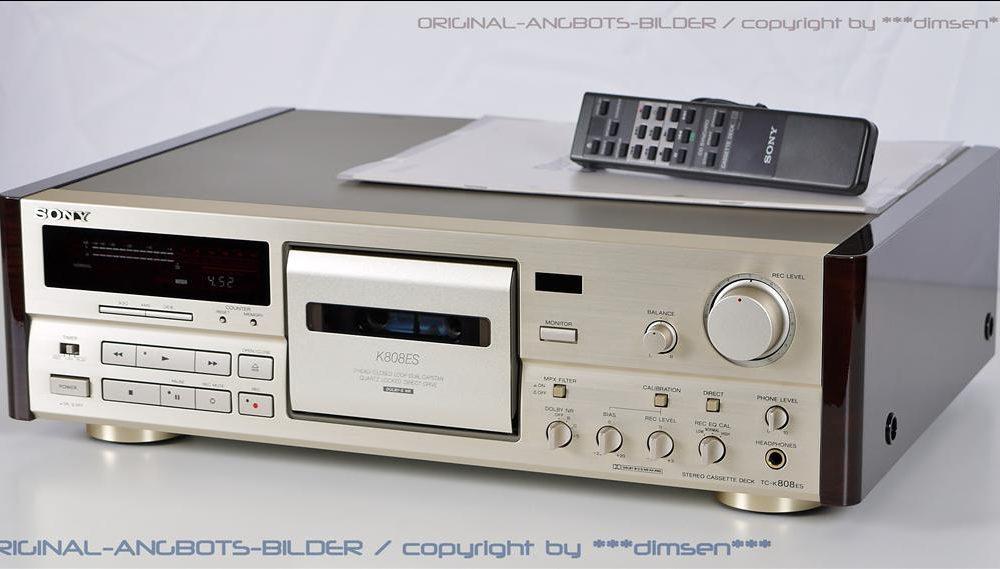 金色的索尼 SONY TC-K808ES 三磁头卡座