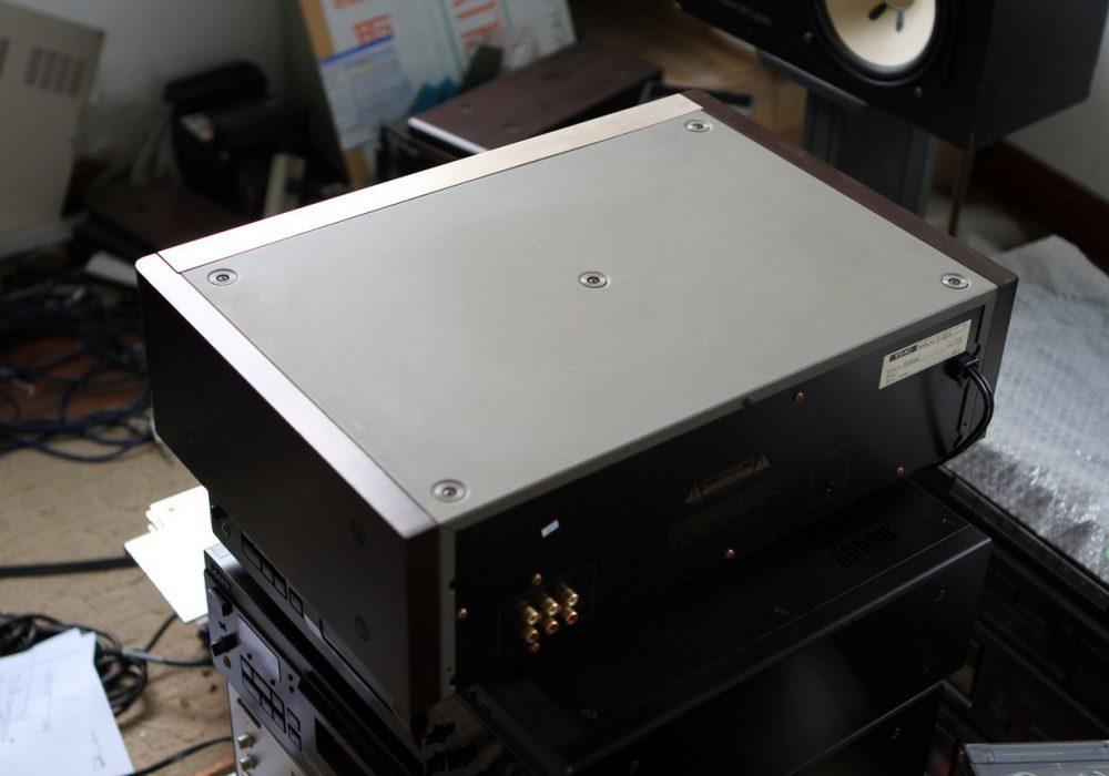 TEAC V-7010 三磁头卡座