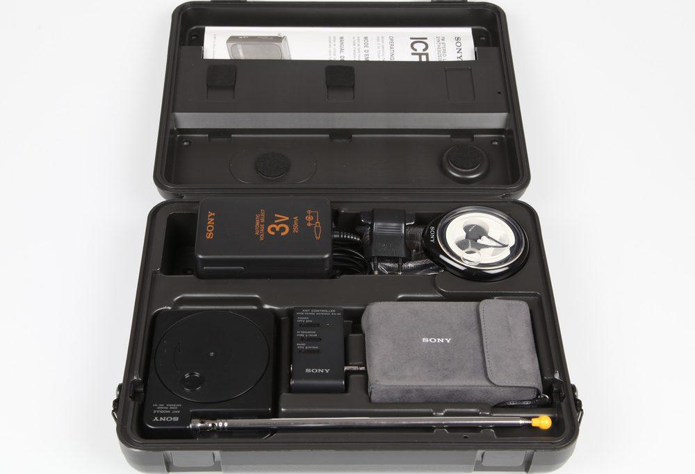 索尼 SONY ICF-SW1 FM/MW/SW 便携收音机 (1987)