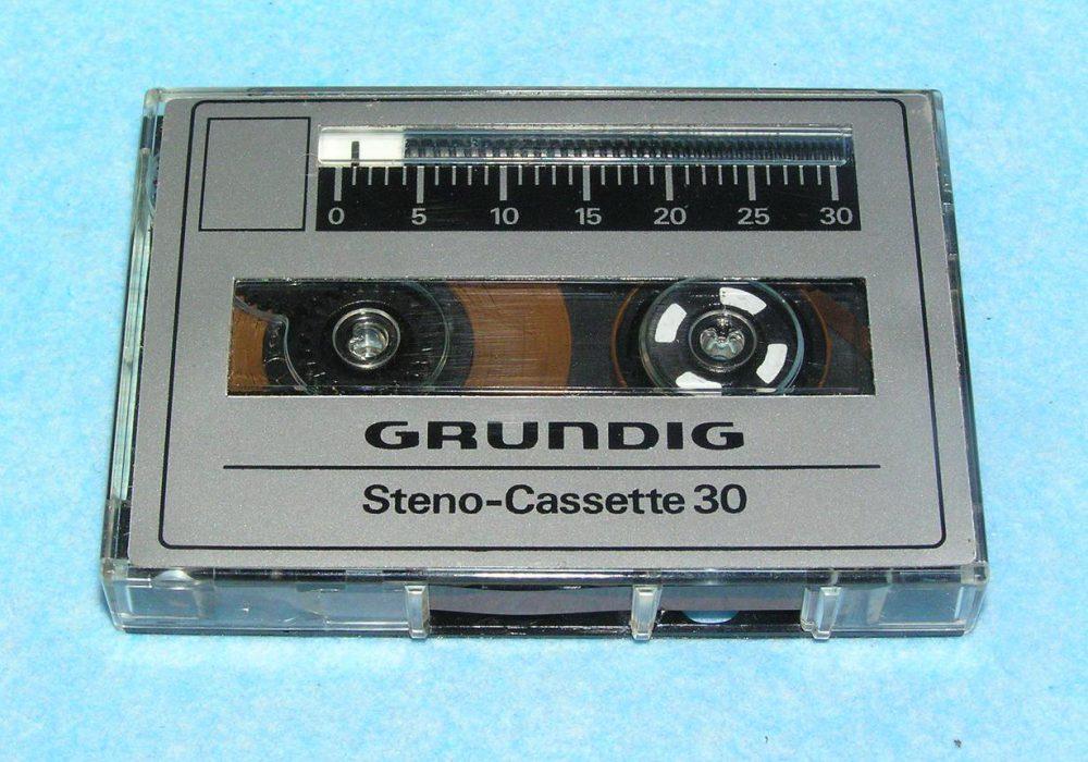 根德 GRUNDIG DeJUR Execumate 微型磁带录音机
