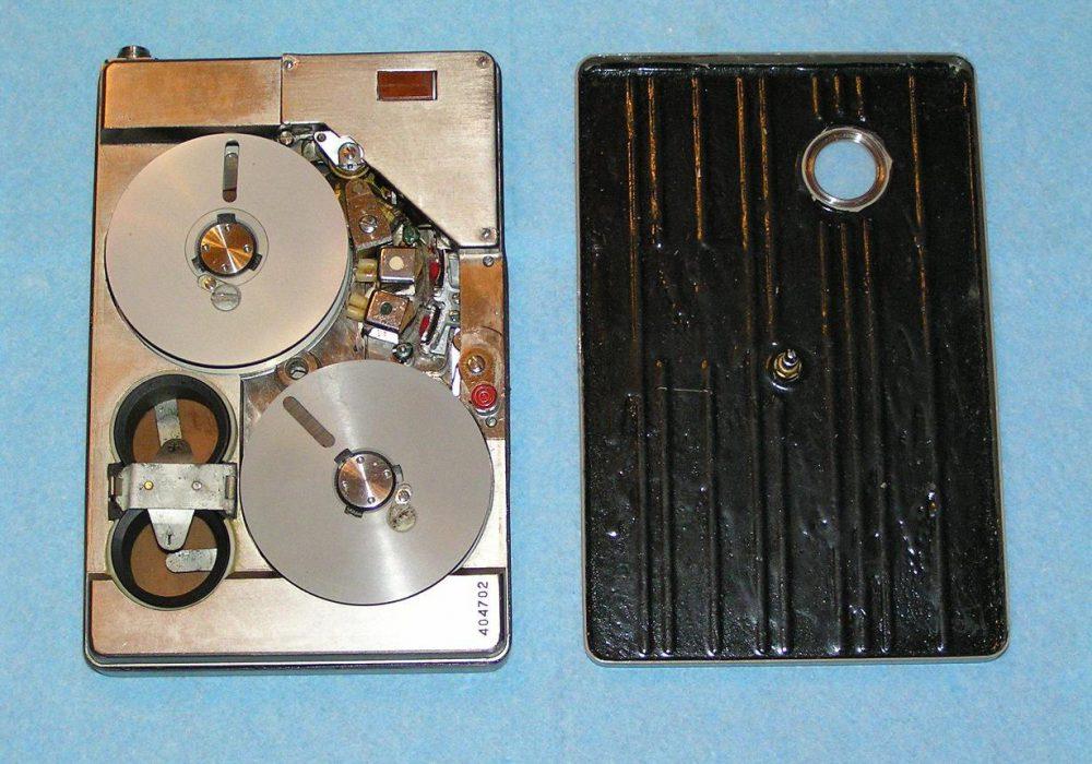 [古董科技] Spy 谍用磁带录音机