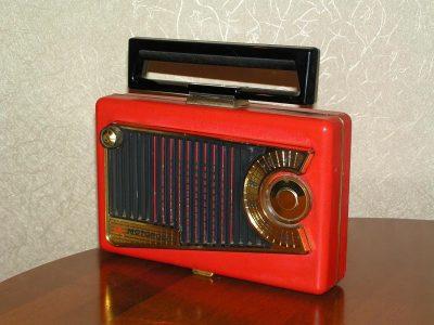 Motorola 56L2 收音机