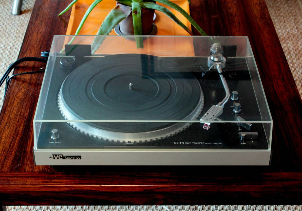JVC QL-F4 黑胶唱机