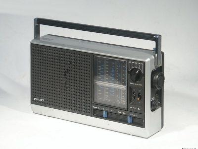 飞利浦 PHILIPS 750 便携收音机