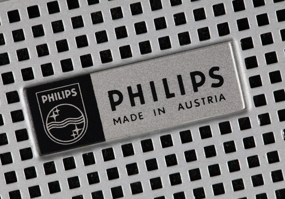 Philips EL-3302 Cassette Recorder - Philips Badge