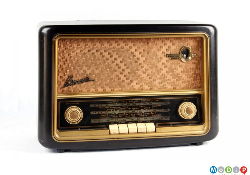 Bush VHF61 valve radio