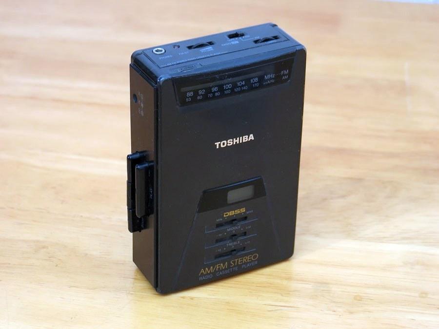 东芝 Toshiba KT-4021 磁带随身听