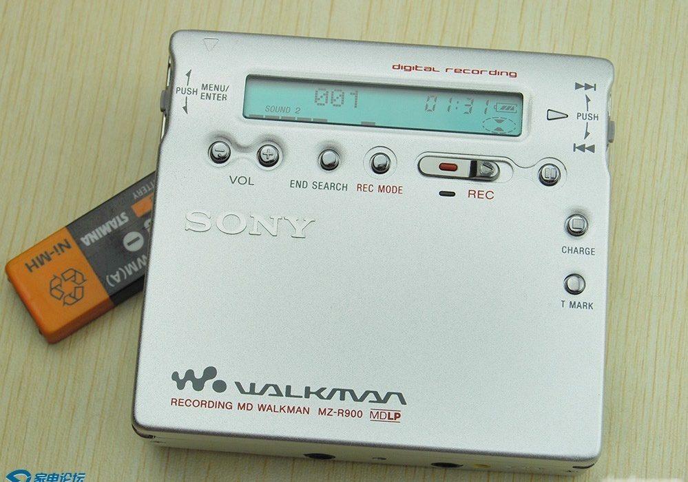 索尼MD随身听 SONY MZ-R900