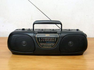 三洋 SANYO M-7035K 手提式单卡四波段收录机