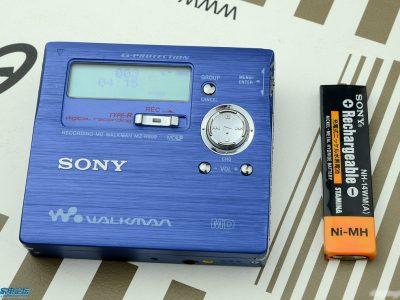 索尼蓝色MZ-R909, 银色MZ-R900, 蓝色MZ-E60
