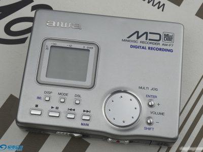 爱华MD随身听 aiwa AM-F7
