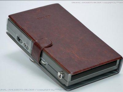 带皮套的夏普 SHARP CE-152 磁带录音机
