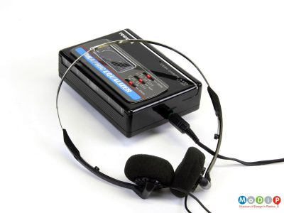 Toshiba KT-4127 personal cassette player