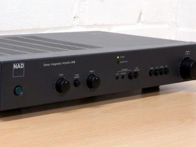 NAD 310 合并式功率放大器