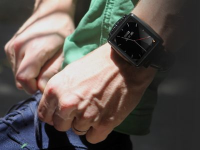 iPhone 和android手机的最佳伴侣: omate X智能手表