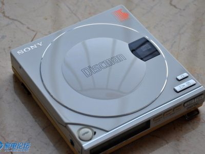 白色索尼 SONY D100 + 飞利浦 CD10 CD随身听