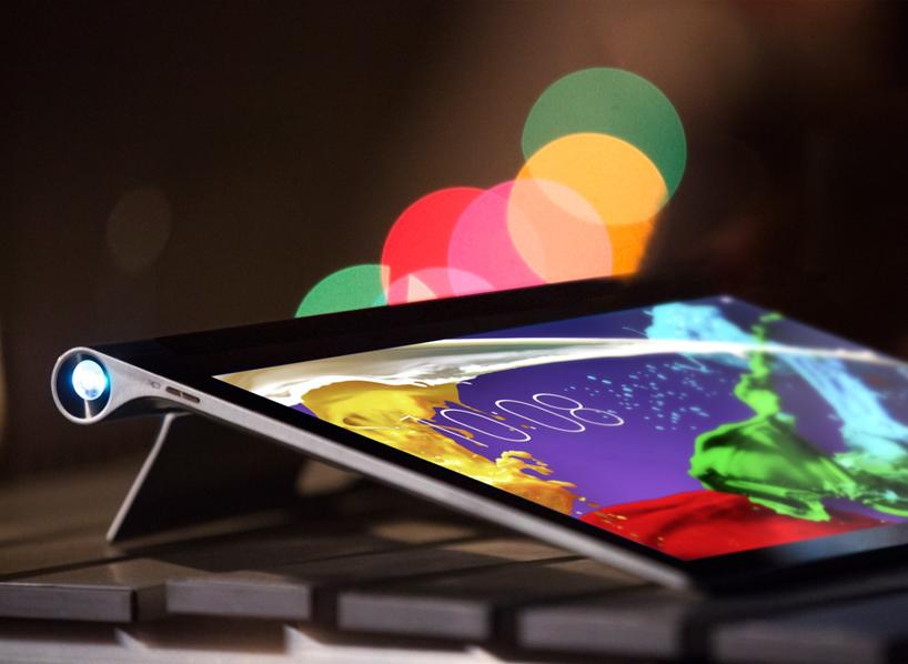 联想发布独创180 °旋转支架的新款平板电脑 Yoga Tablet 2 Pro ,可以投影50寸的显示屏