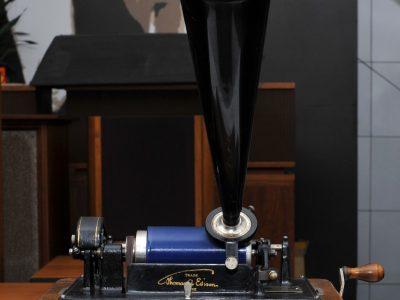 EDlSON愛迪生蠟筒留聲機过百年歷史