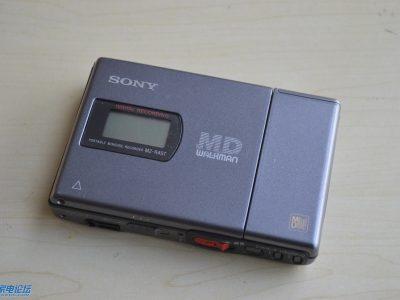 索尼 SONY MZ-R4ST MD随身听,带底座