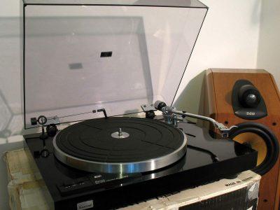 山水 SANSUI SR-222MKII 黑胶唱机