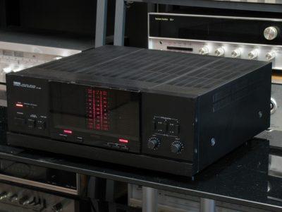 雅马哈 YAMAHA M-85 功率放大器