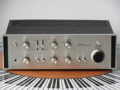 ROTEL RA-1210 功率放大器