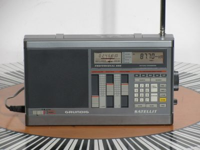 根德 GRUNDIG Satellite 400 收音机
