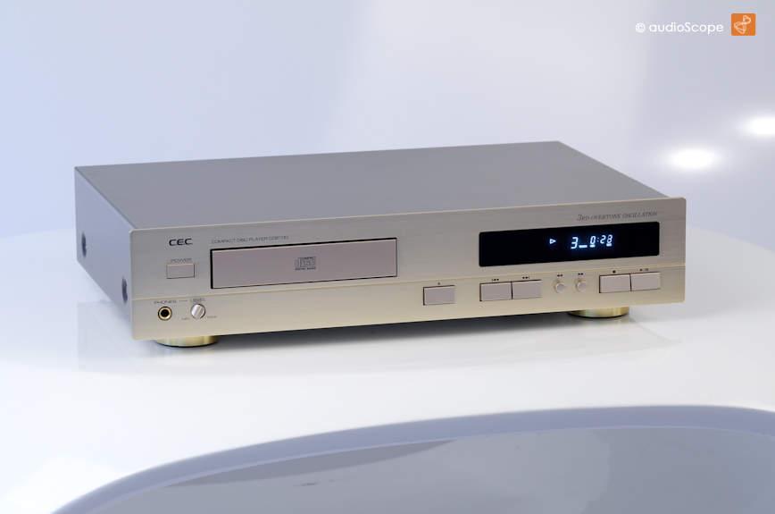CEC CD-2100, mint