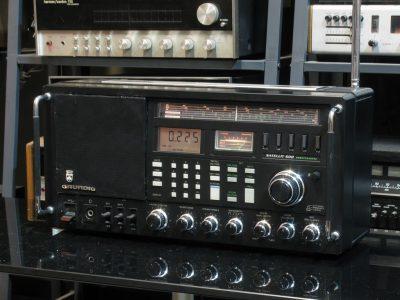 根德 Grundig Satellite 600 收音机