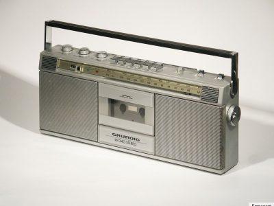 根德 GRUNDIG RR 340 立体声收录机