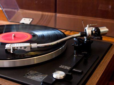 山水 SANSUI SR-212 黑胶唱机