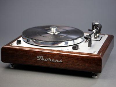 多能士 Thorens TD 146 黑胶唱机