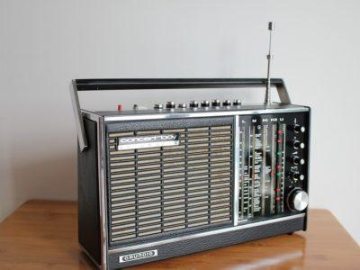 根德 Grundig 音乐男孩 AUTOMATIC 收音机