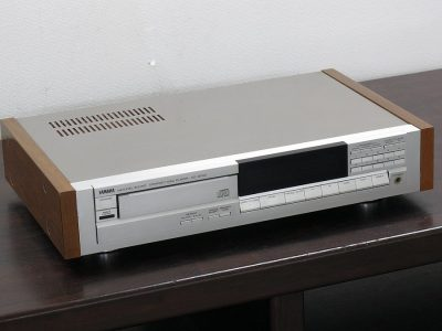 雅马哈 YAMAHA CD-2000W CD播放机