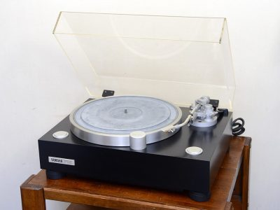 雅马哈 YAMAHA GT-2000 黑胶唱机