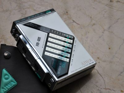 AIWA HS-J9 磁带随身听