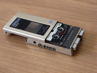 爱华 AIWA HS-M2 立体声 微型磁带录音机