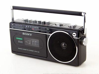 索尼 SONY CFM-120 小型 AM/FM 收录机