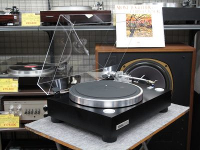 YAMAHA GT-750 黑胶唱机