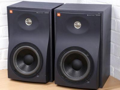 JBL 4208 专业监听音箱