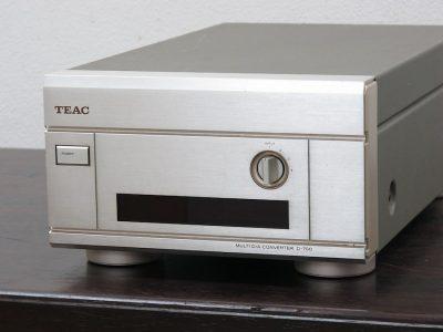 TEAC D-700 D/A解码器